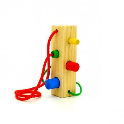 Шнуровка Мир деревянных игрушек Д390 Брусочек