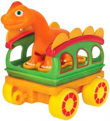 Игровой набор Tomy Поезд динозавров 8 см tomy игровой набор приключения трактора джонни и поросенка на ферме с 18 мес