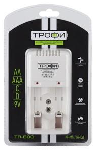 Зарядное устройство ТРОФИ TR-600 AA/AAA 1 шт зарядное устройство 2000 mah duracell cef20eu aa aaa