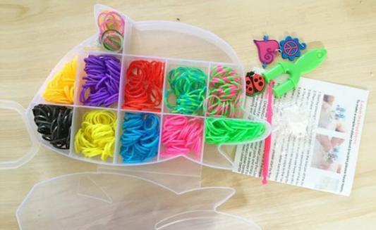 Набор для творчества Shantou Gepai Плетение браслетов, с подвесками 942488 от 6 лет подарок девочке на 6 лет