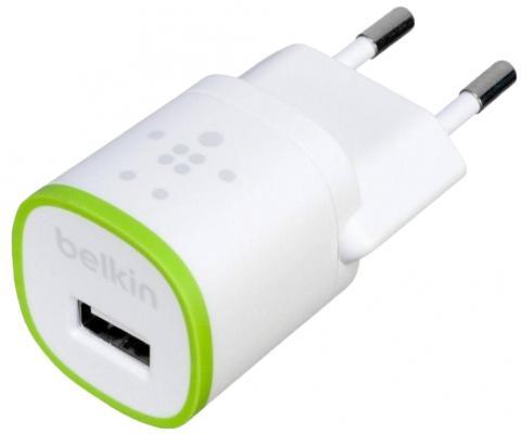 Сетевое зарядное устройство Belkin F8J013vfWHT USB 1A белый сетевое зарядное устройство belkin f8z884cw04 usb кабель 30pin