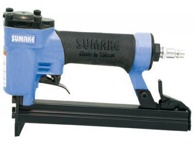 цена на Пистолет гвоздезабивной пневматический SUMAKE F-18/30 гвоздь 10-30мм 1х1.25