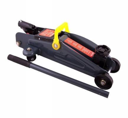 Купить Домкрат SKYWAY S01802007 гидравлический подкатной 2т h125-300мм в кейсе