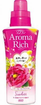 Кондиционер для белья Lion Aroma Rich Scarlett с цветочно-фруктовым ароматом 550 мл ополаскиватель lion soflan aroma rich maria с натур аром маслами 480 мл