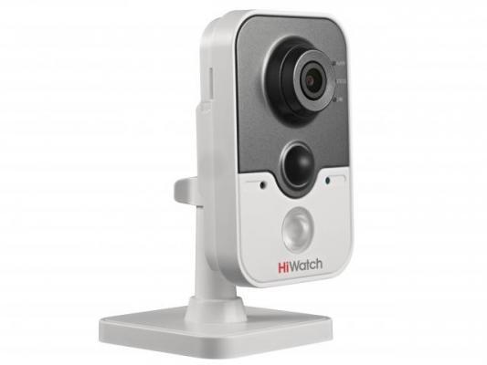IP-камера HiWatch DS-I214W (2.8mm) 2Мп внутренняя IP-камера c ИК-подсветкой до 10м и Wi-Fi 1/2.8'' CMOS матрица; объектив 2.8мм; угол обзора 105°; мех камера hiwatch ds t201 2 8 mm 2мп внутренняя купольная hd tvi камера с ик подсветкой до 20м 1 2 7 cmos матрица объектив 2 8мм угол обзора 103°