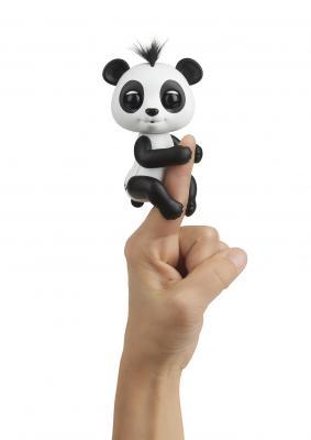 Купить Интерактивная игрушка Fingerlings панда Дрю от 5 лет бело-черный, 12 см, пластик, унисекс, Интерактивные животные и роботы