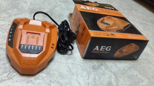 Фото - Зарядное устройство для AEG Li-ion L1215G3, L1220G3, L1415G3, L1420G3 зарядное
