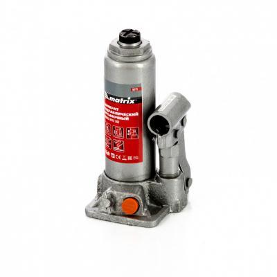 цена на Домкрат гидравлический бутылочный, 2 т, h подъема 181–345 мм, в пласт. кейсе// Matrix