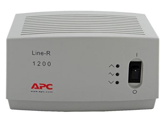 Купить со скидкой Стабилизатор напряжения APC Line-R LE1200I белый 4 розетки 2 м