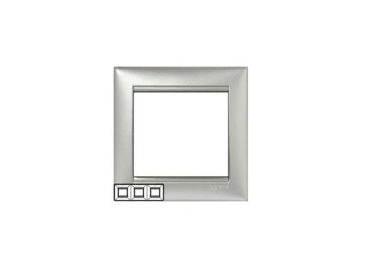 Рамка Legrand Valena 3 поста алюминий 770153