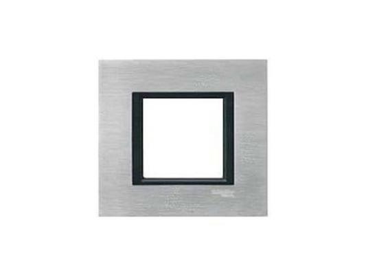 Рамка 1 пост серебристый Schneider Electric MGU68.002.7A1 рамка 1 пост оникс графит schneider electric mgu66 002 296