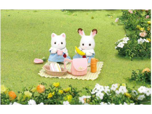 Игровой набор SYLVANIAN FAMILIES Пикник в детском саду 13 предметов 3590