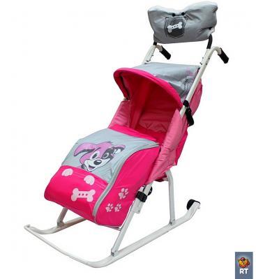 Фото Санки-коляска RT Комфорт Люкс 11 Любопытный щенок с колесиками и муфтой до 50 кг розовый сталь