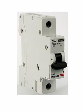 Автоматический выключатель Legrand TX3 6000 тип C 1П 20А 404029 выключатель автоматический tdm ва47 29 2р 20а 4 5ка d sq0206 0158