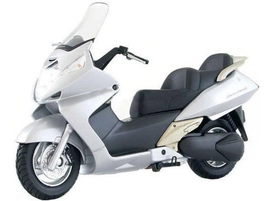 Мотоцикл Welly Honda Silver Wing 1:18 серебристый 4891761121655