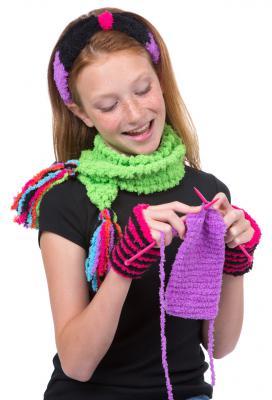 Набор для вязания Alex Модные вещи из пушистой пряжи от 7 лет