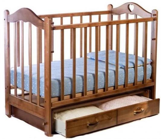 Кроватка с маятником Ведрус Лана 3 (орех)