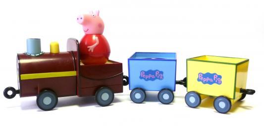 Игровой набор Peppa Pig Поезд Пеппы неваляшки с фигуркой Пеппы 4 предмета 28793 игровой набор peppa pig семья пеппы папа свин и джорж 2 предмета от 3 лет 20837