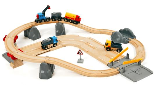 Железная дорога Brio с автодорогой и переездом 33210 погрузчик с вращением с магнитом блист brio
