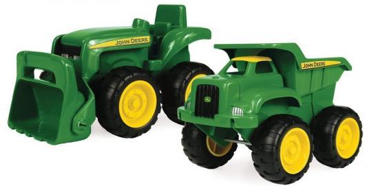 Игровой набор Tomy John Deere Трактор и самосвал зеленый 2 шт 12 см TO42952 tomy набор для песочницы трактор и самосвал john deere с 18 мес