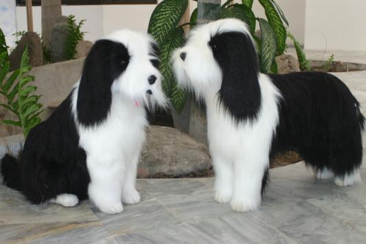 Мягкая игрушка собака Hansa Овчарка стоящая синтепон искусственный мех белый черный 100 см 4393