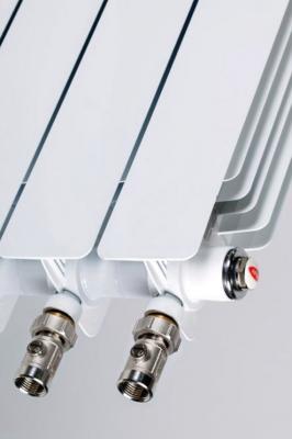 Биметаллический радиатор RIFAR Monolit Ventil 500 9 сек. прав. (Кол-во секций: 9; Мощность, Вт: 1764; Подключение: правое)