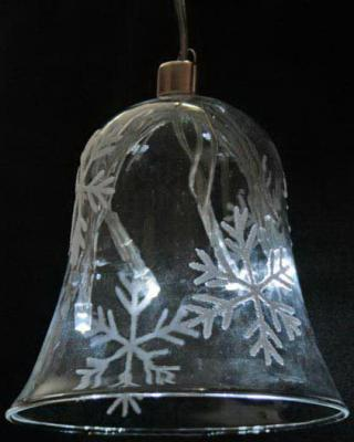 Светильник декоративный КОЛОКОЛЬЧИК 95мм со снежинками, с белыми LED лампами, на батарейках