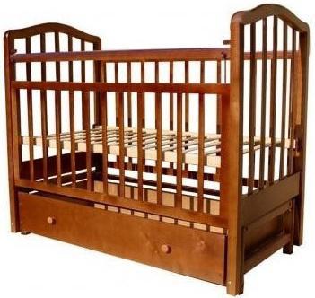 Кроватка с маятником Лаура 1 (с ящиком/орех)