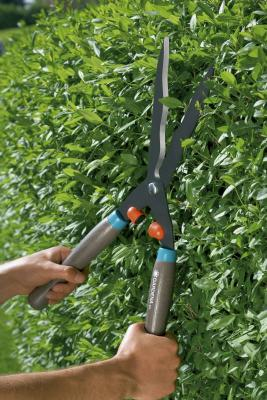 Ножницы для живой изгороди Gardena Classic 540 FSC черный 00391-30.000.00 ножницы для живой изгороди gardena classic 540 fsc 00391 20 000 00