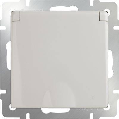 Розетка с заземлением с защитной крышкой и шторками WL03-SKGSC-01-IP44-ivory 4690389046247