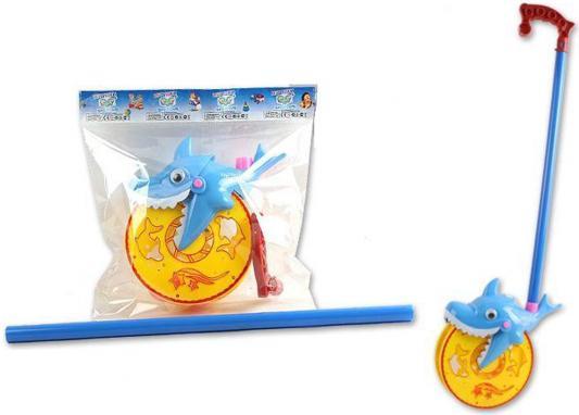 Каталка на палочке S+S Toys Веселая акула желто-голубой от 1 года пластик каталка s s toys лев 0371 в пакете